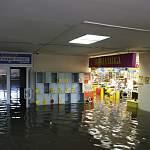 Цокольный этаж автовокзала и магазин «Полушка» полностью затоплены (+ фото)