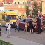 В Великом Новгороде во дворе дома сбили ребенка