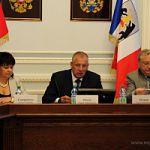 Губернатор принял участие в заседании круглого стола по проблемам развития культуры