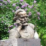Сегодня исполняется 90 лет со дня рождения писателя Дмитрия Балашова