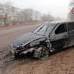 После утреннего ДТП на перекрестке в Валдае водитель «Лады Приоры» попал в больницу