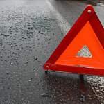 В Парфинском районе лоб в лоб столкнулись легковушки: водитель «Рено» попал в больницу