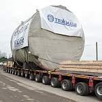 Дорога на Старую Руссу блокирована из-за автопоезда, который встал перед хрупким мостом