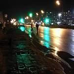Жители Псковского микрорайона вынуждены рисковать жизнью, выходя в город