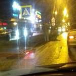 Очевидцы: на пешеходном переходе у ТРЦ «Мармелад» водитель сбил женщину
