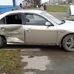 Фотофакт: «Форд» и ВАЗ выясняли, кто прочнее в Великом Новгороде