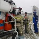 МЧС прислало «53 новостям» фото экстренной транспортировки пострадавшего мужчины из Марева