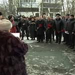 В честь погибших выпускников новгородской школы открыли мемориальные доски