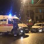 Два новгородца доставлены с травмами после ДТП на Федоровском Ручье