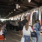 На вокзале в Боровичах небывалый ажиотаж