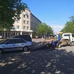 От здания областного правительства эвакуируют машины чиновников