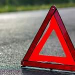 Из-за наезда на бордюр в Хвойнинском районе погибли водитель и пассажир мотоцикла