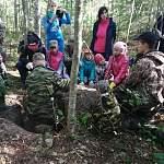 В Новгородской области школьникам преподали урок мужества на месте раскопок останков бойцов