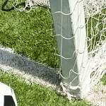 Новгородские футбольные клубы ищут виновных в инциденте на поле