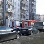 На одной из улиц Великого Новгорода наблюдается большое скопление пожарных машин