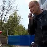 Съемочную группу НТ у здания бани на Великой встретил разъярённый незакомец