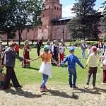 На Онфимкиной поляне сегодня состоялся семейный праздник в честь макушки лета