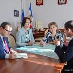 Елена Писарева: «Отремонтировать дорогу, соединяющую Тёсовский и Тёсово-Нетыльский – жизненно необходимо»