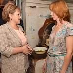 Председатель Новгородской областной Думы посетила многодетную семью и дала старт акции «Собери ребёнка в школу»