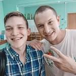 Новгородский актер сделал селфи с известным блогером