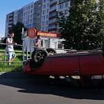 В Великом Новгороде ВАЗ перевернулся на крышу «по техническим причинам»