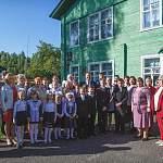День знаний в старинной школе деревни Богослово Пестовского района. Фоторепортаж
