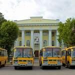 В Новгородскую область поступят новые школьные автобусы и кареты скорой помощи