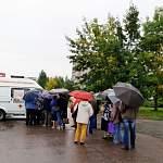 В Великом Новгороде продолжат прививать от гриппа в мобильных медпунктах