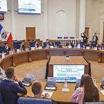 Максим Орешкин и Владимир Якушев призвали мэров активно использовать лучшие практики