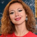 Актриса Елена Захарова поделилась секретами молодости