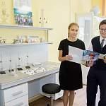 «Акрон» поддержал образовательные и социальные учреждения Великого Новгорода