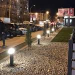 Новгородский предприниматель восстановил разломанные малолетками плафоны