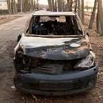 Брошенный у ворот Антониева монастыря автомобиль сгорел
