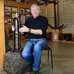 К путешественнику-священнику Фёдору Конюхову отправится уникальная стела памяти моряков-боровичан