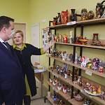 Губернатор побывал в «Ушинке», где разместились жители Новгородского дома ветеранов