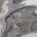 Стал известен подрядчик на выполнение ямочного ремонта автодорог Великого Новгорода