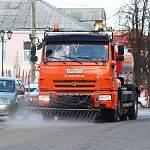 В Боровичах начали санитарную обработку остановок, улиц и тротуаров
