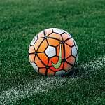 Новгородский футбольный тренер продолжает проводить тренировки для детей в онлайн-формате