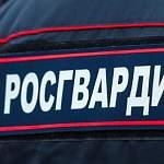 В Демянске агрессивный молодой человек пытался ограбить аптеку