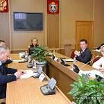 Елена Писарева призвала депутатов продолжать оказывать помощь жителям региона