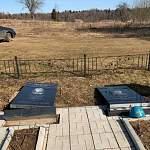 В Новгородской области поисковики привели в порядок воинское захоронение за нерадивым подрядчиком