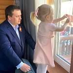 Андрей Никитин принял участие в акции «Окна Победы»