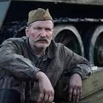 Федор Добронравов нашел плюс в обзоре фильма «На Париж»