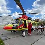 Вертолёт санитарной авиации доставил новгородца в НИИ скорой помощи имени Джанелидзе