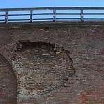В Новгородском кремле обрушилась часть стены