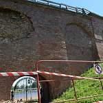 Стена с историей: эксперты будут разбираться, от чего в очередной раз пострадал Новгородский Детинец