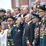 Владимир Путин объявил день парада Победы нерабочим
