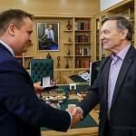 Писатель Виктор Смирнов удостоен звания «Почетный гражданин Новгородской области»