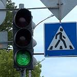 В Боровичском районе пешеход внезапно появился на дороге и попал под колёса легковушки