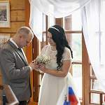 Первая церемония бракосочетания состоялась на смотровой площадке старорусской водонапорной башни